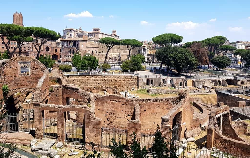 Roman Forum, the view from the street